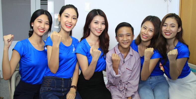 Top 10 Hoa khôi Áo dài VN đi thăm em Linh