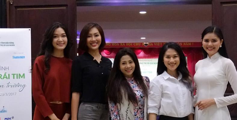 Các mỹ nhân Việt lên Đăk Nông trao quà cho trẻ em nghèo